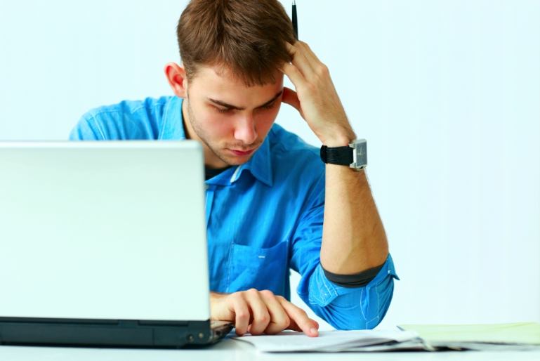 Should I file my taxes online or hire a professional? - USA